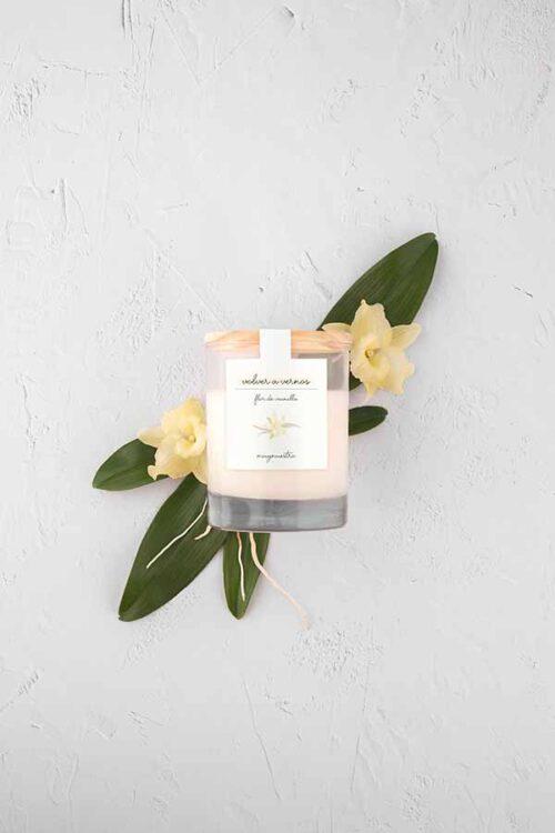 vela-perfumada-flor-de-vainilla